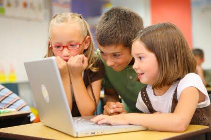 Campaña promueve uso responsable de tecnologías en niños y jóvenes