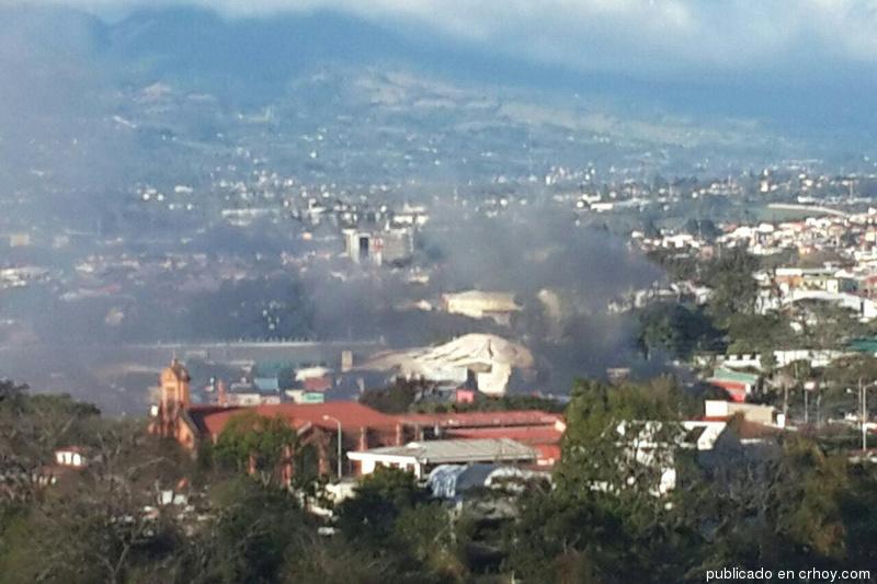 Incendio afectótres viviendas en Goicoechea