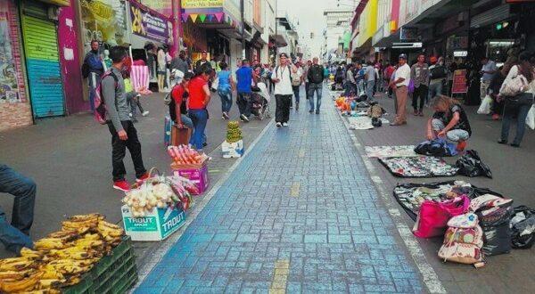 Ministerio de Salud prohíbe ventas ambulantes