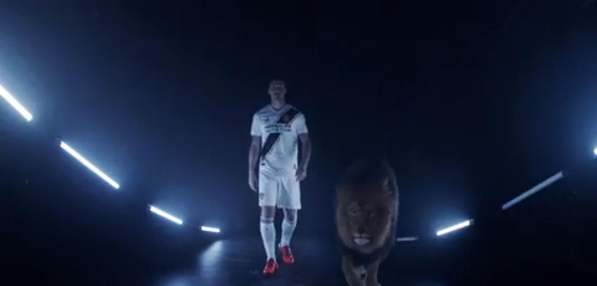 (+VIDEO) La espectacular presentación de Zlatan a LA Galaxy