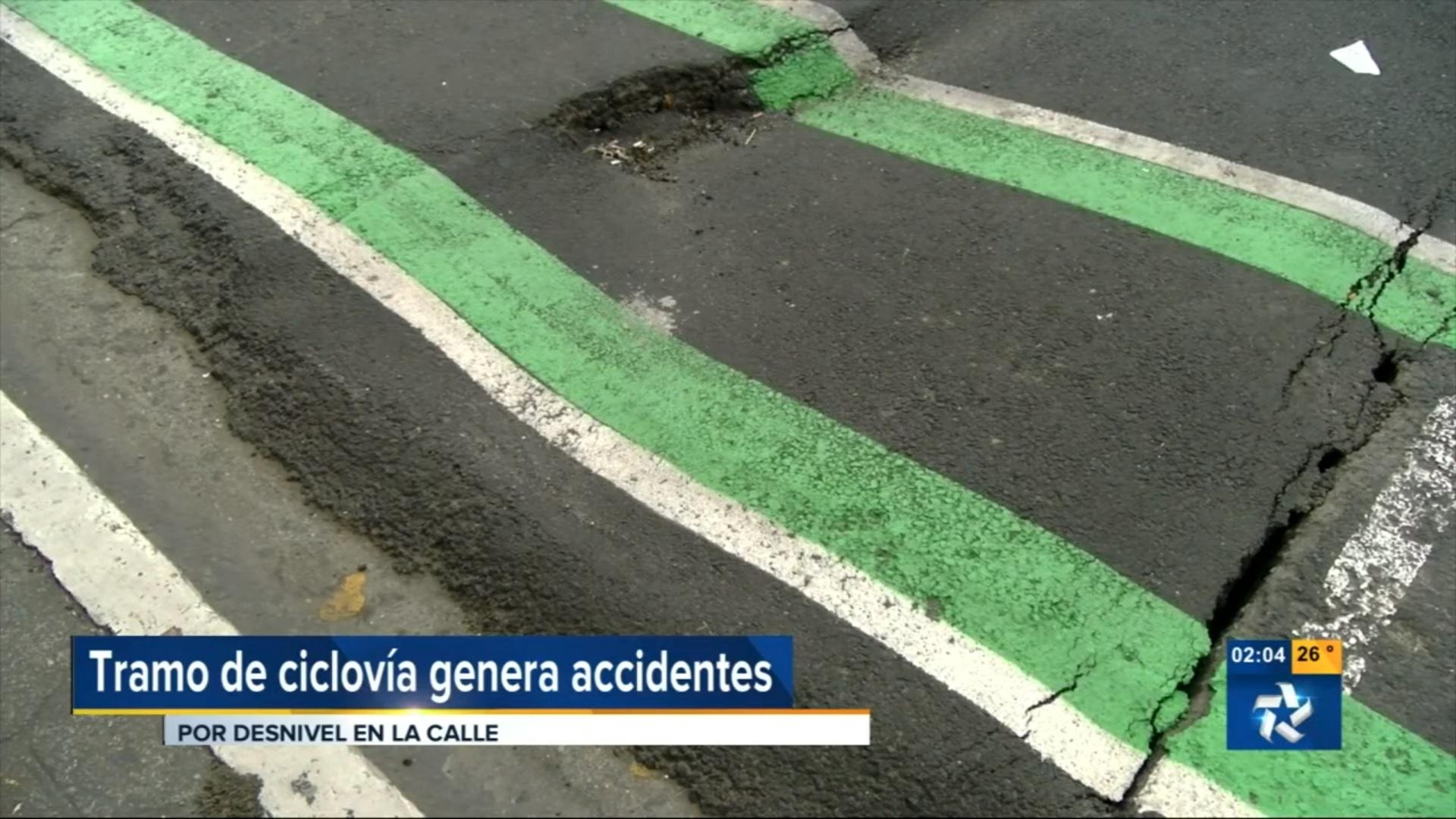 (+VIDEO) Tan sólo dos semanas y la ciclovía ya tiene tramos dañados