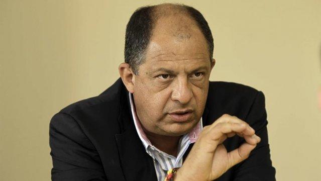 Diputados recibieron informe sobre Luis Guillermo Solís y el Cementazo