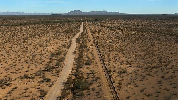 Autoridades costarricenses atienden niño encontrado en desierto de Arizona
