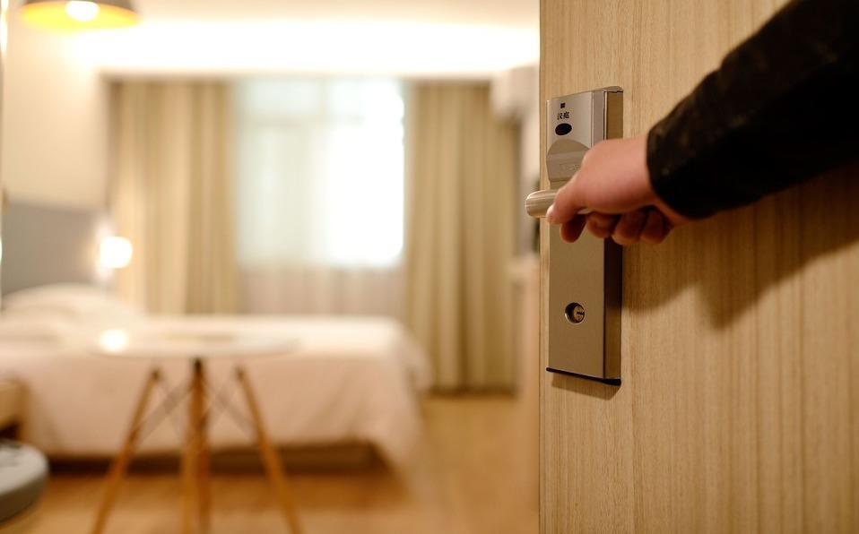 Encuesta revela los artículos más robados en hoteles