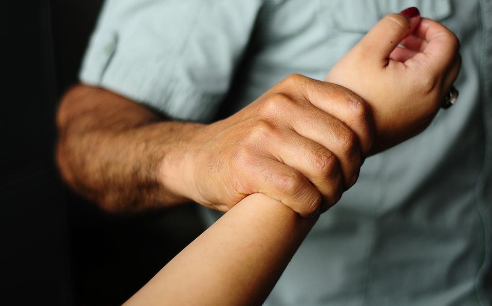 Hombre abusa sexualmente de su sobrina: le dan solo 10 años de cárcel