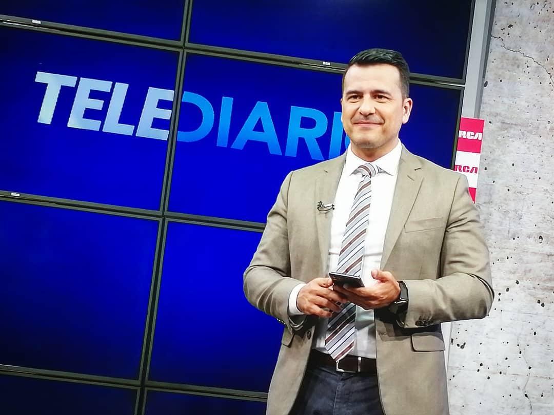 Douglas Sánchez se mantendrá con la presentación de la edición estelar a las 8 p.m. Foto: @multimedios.cr