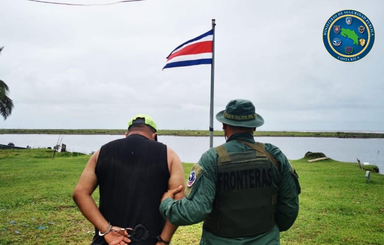 Capturan a presunto violador que intentó huir a Isla Calero