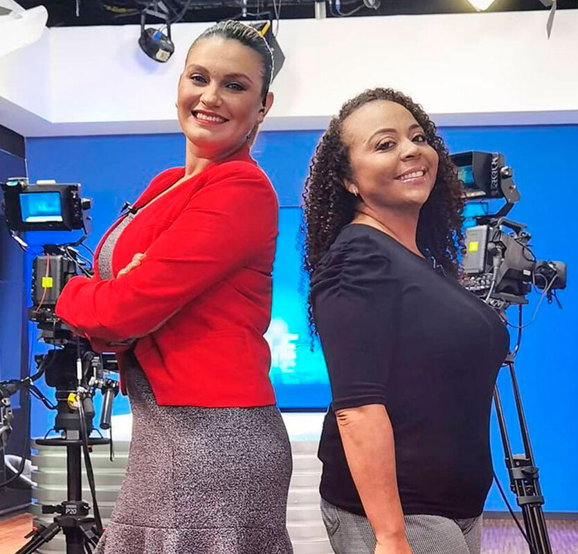 Natalia García y Ariana Solano se encargan todas las noches de lunes a viernesde7 a 8 p.m. (Foto: Instagram / @multimedios.cr)
