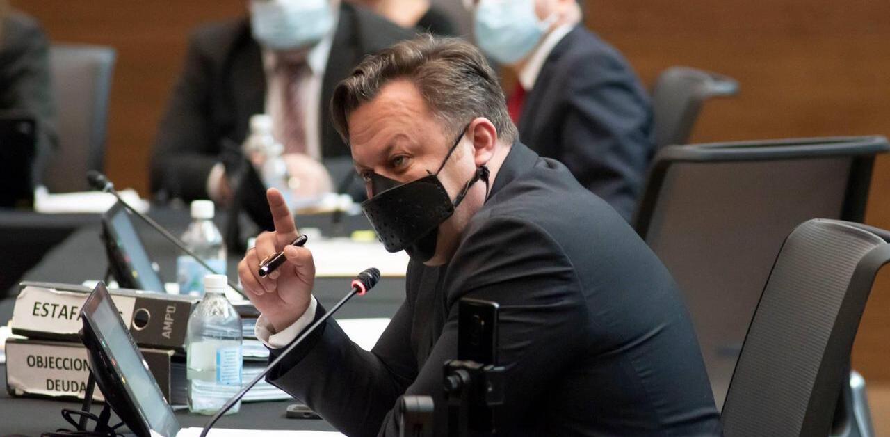 """Dragos Dolanescu: """"Ya es demasiada corrupción; el presidente Alvarado debe renunciar"""""""