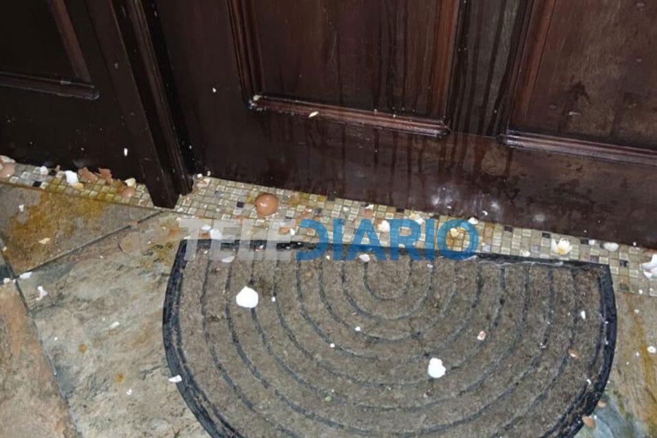 Así quedó la casa de la congresista luego del ataque. (Foto: Diputada María José Corrales)