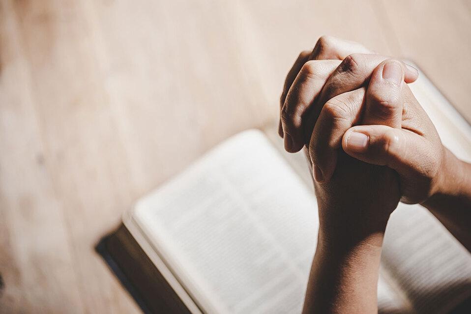 Registran menos católicos en Costa Rica, según estudio
