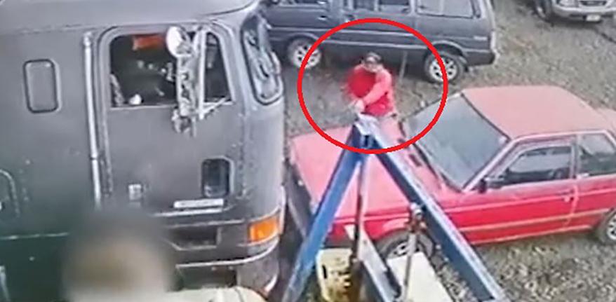 La víctima era empleado de un taller mecánico.