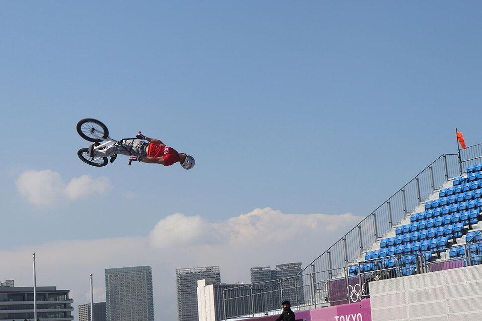 Tico Kenneth Tencio se alista en BMX para competir en Tokio (Foto: Comité Olímpico)
