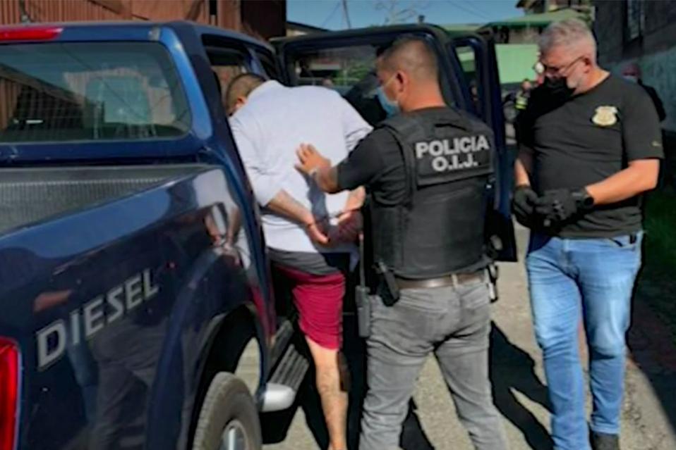 Detienen banda de roba carros en Heredia