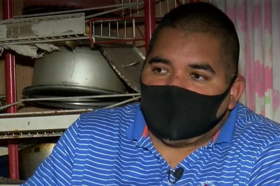 Hombre costarricense recibe ayuda para acondicionar su casa