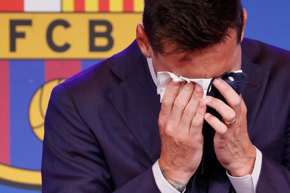 Entre lágrimas Messi se despidió del Barcelona