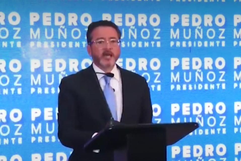 Pedro Muñoz contaría con una deuda de 40 millones de colones.