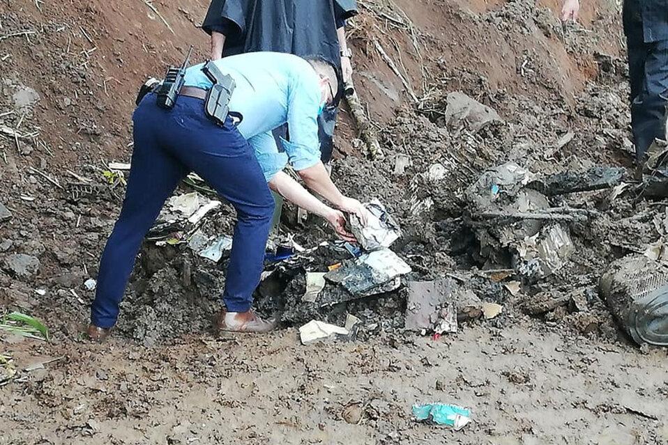 Encuentran documentos de Meco enterrados en Cementerio de Grecia