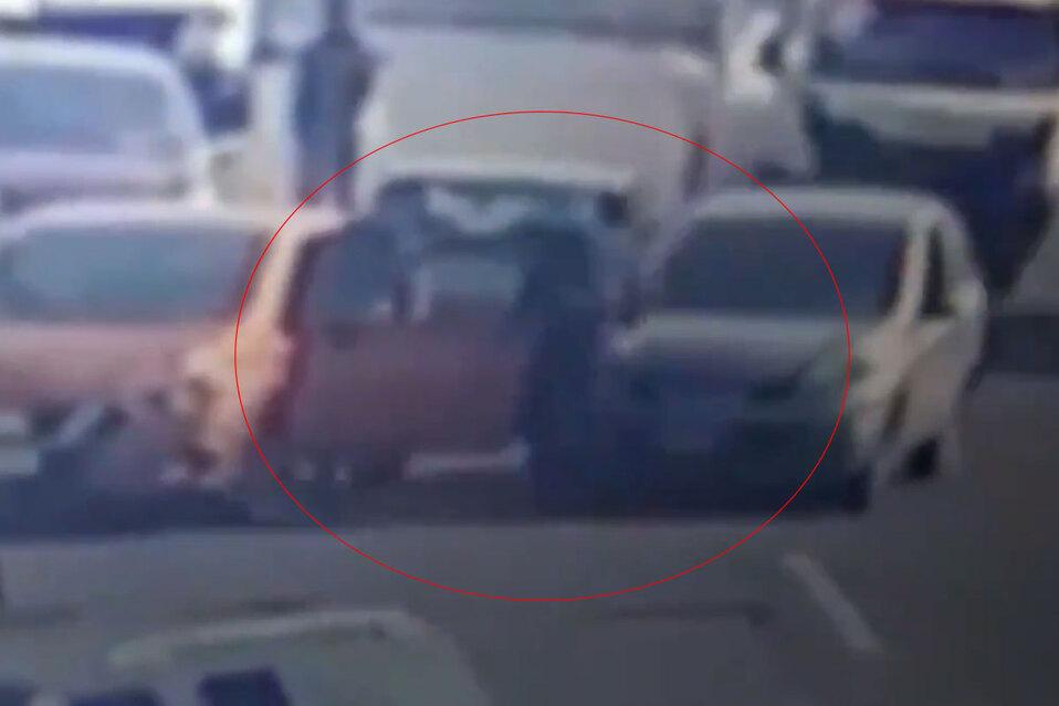 Asaltante atropellado: frustran robo en México. VIDEO