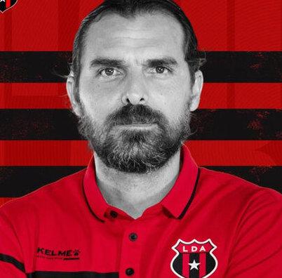 Alajuelense destituye a entrenador Andrés Carevic. (Foto: Liga Deportiva Alajuelense)