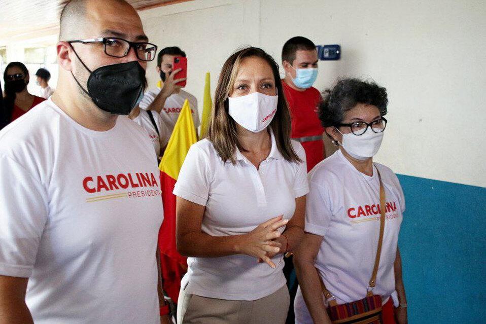 Carolina Hidalgo lidera la convención del PAC
