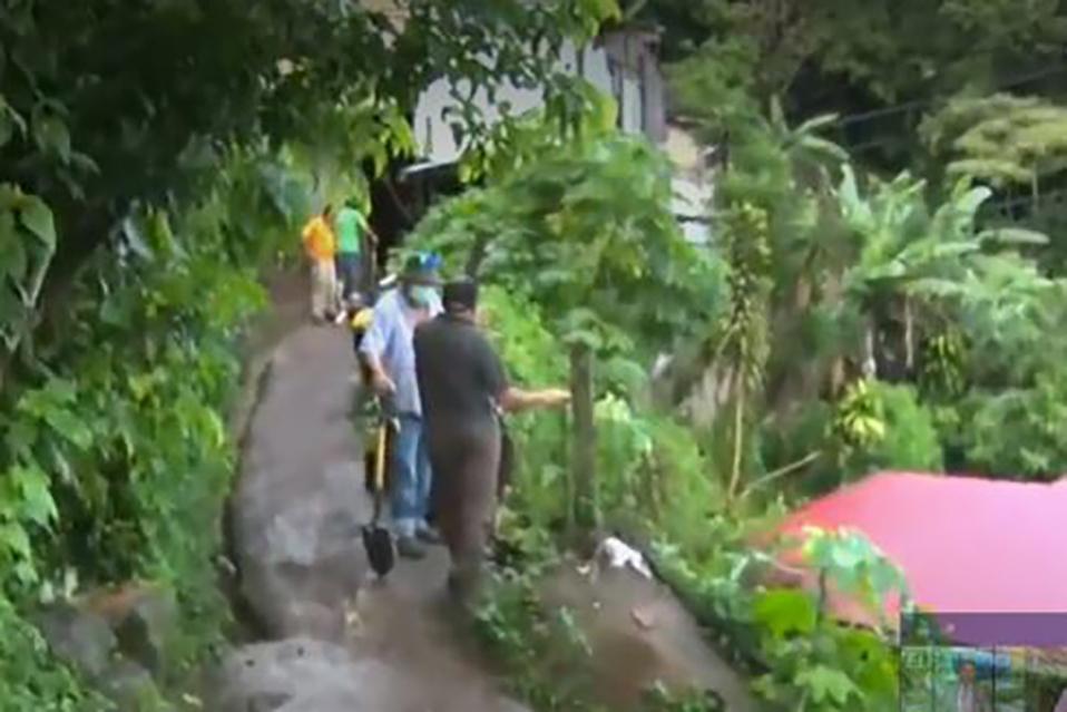 Lluvias: Rescatan a familias por deslizamiento en Moravia