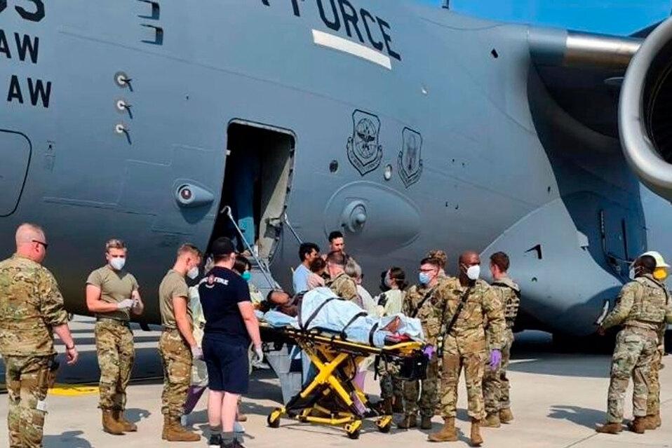 Niña nació cuando el avión llegó a la base militar. (Fuente: Comando de Movilidad Aérea)