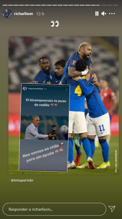 Richarlison la emprendió contra Vidal