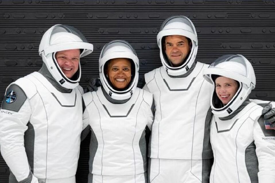 Cuatro civiles son los que conocerán el espacio por tres días