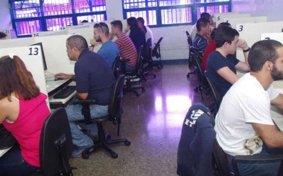 Son cada vez las trabas que tienen los costarricenses para tener su prueba teórica de manejo