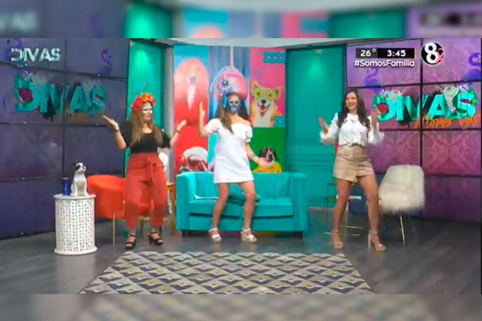 Las Divas bailaron con mucho ritmo.