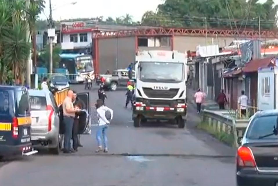Mujer pierde la vida tras ser atropellada por camión de basura