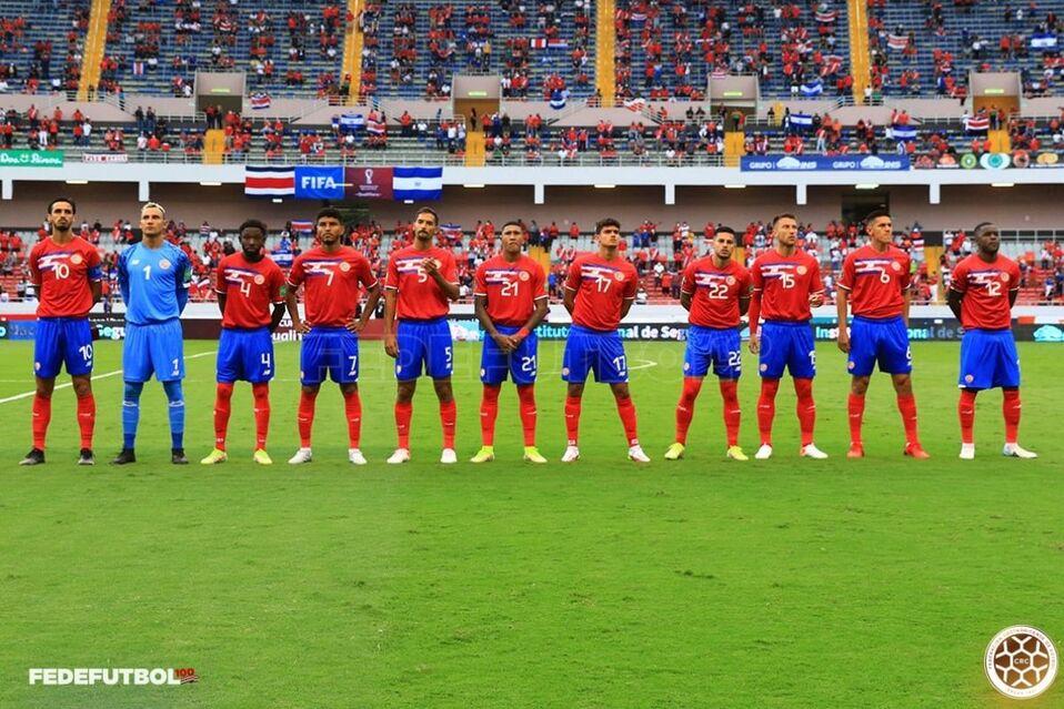Costa Rica logra importante victoria ante El Salvador: 2-1