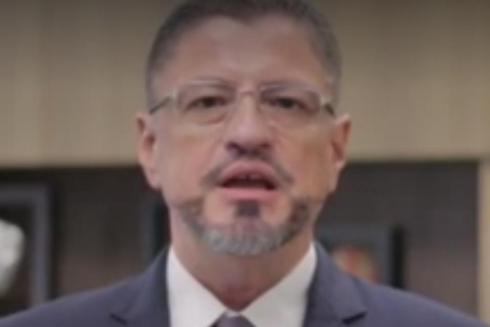 Desde el punto de electoral no existe nada que impida a Rodrigo Chaves continuar como candidato a la presidencia tras otras revelaciones sobre comport