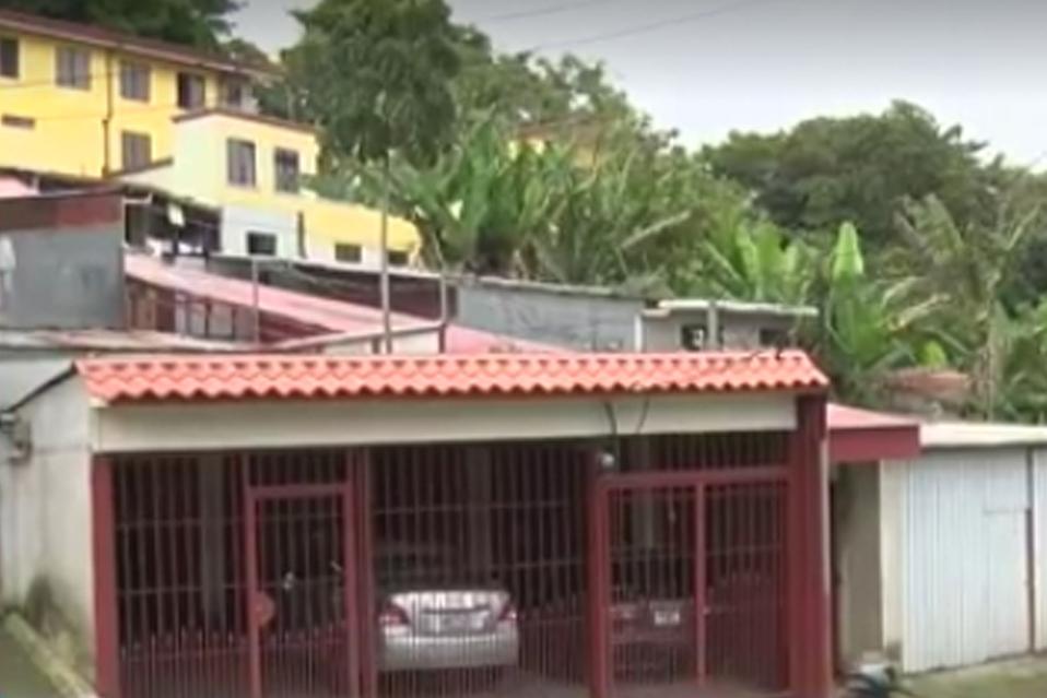 La operación de un bar clandestino les roba la paz a diario a los vecinos de san juan de dios en desamparados.
