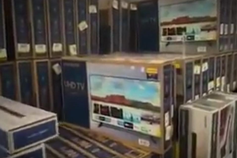 Las compras navideñas podría retrasarse por crisis de contenedores a nivel mundial
